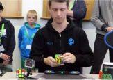 Австралиец установил новый мировой рекорд по сборке кубика Рубика (видео)